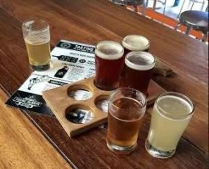Пабы – популярное место отдыха австралийцев. Неудивительно, когда кругом такая жара, выпить кружку холодного пива – ни с чем несравнимое удовольствие