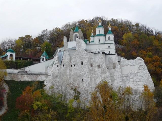 Без посещения старинных церквей и монастырей Крыма впечатления о полуострове будут неполными