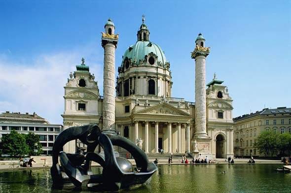 Находясь практически в центре Европы, Австрия полностью соответствует истинно европейскому облику во всём