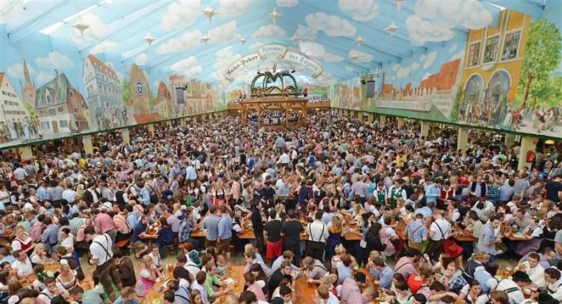Одно из самых ярких событий Германии - Октоберфест, на него съезжаются миллионы!