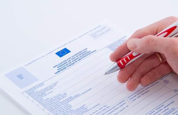 Собирая документы на визу в Германию, стоит быть особенно аккуратным: немцы педантично относятся ко всем формальностям