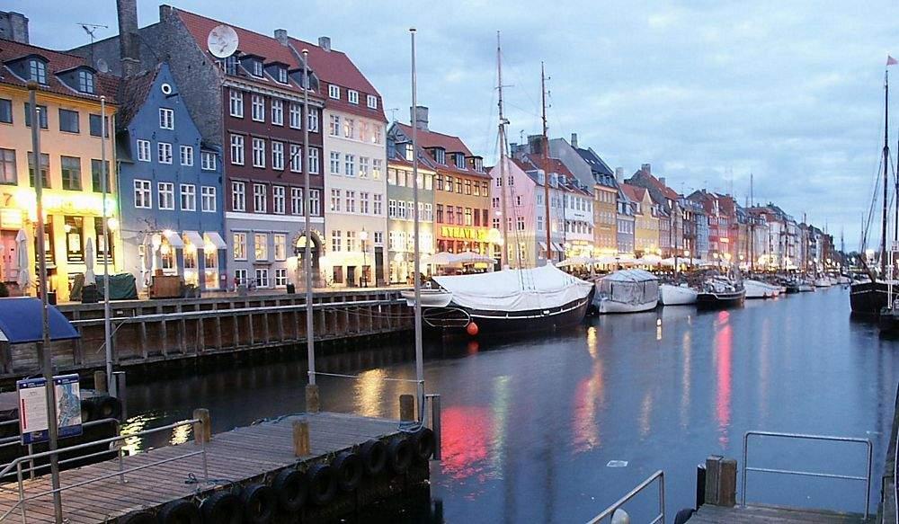 Города Дании очень красивы - поэтому в них всегда полно туристов