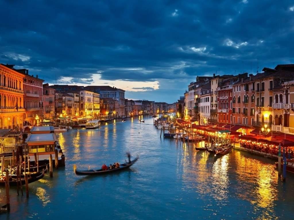 Венеция - еще один магнит для множества туристов
