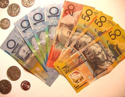 не стоит путать австралийский доллар с американским, разница между ними существенна