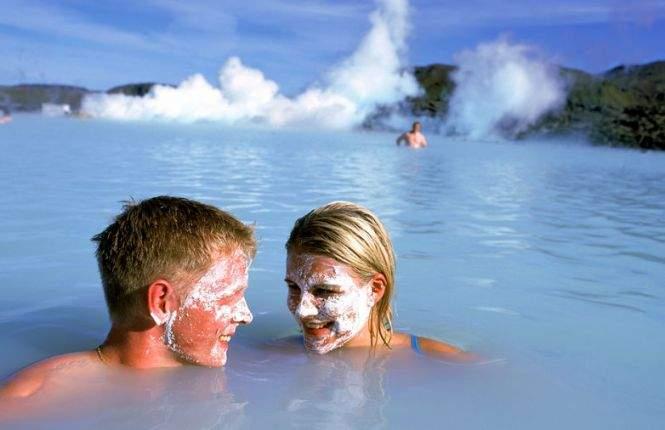 Популярнейший курорт Исландии - Голубая Лагуна, известная своими геотермальными источниками