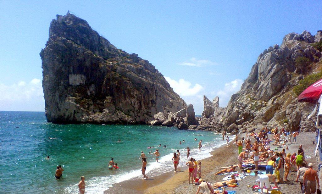 """скала """"Дива"""", пляж"""