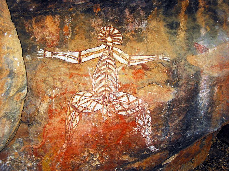 Особенностью рисунков является уникальный стиль – аборигены изображали не только тело человека, но и внутренние органы