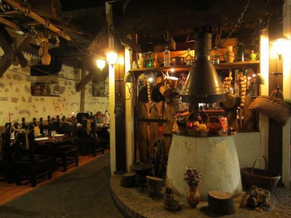 """""""Царская конюшня"""" - ресторан в Ялте, Ливадия"""
