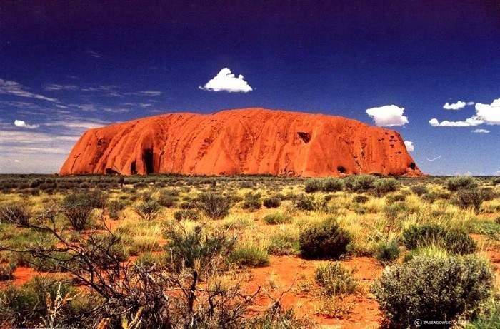 Австралийские пейзажи очень разнообразны - здесь есть и пустыни, и горы, и густые леса