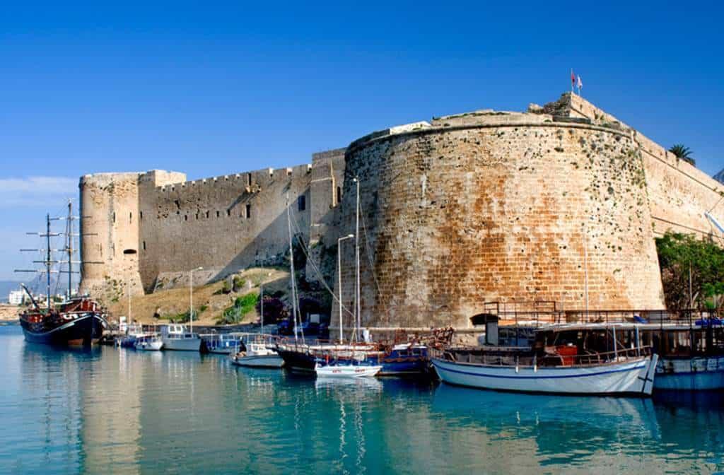 Крепости Северного Кипра могут стать проблемой для туриста, если посмотреть на них он приедет через Турцию