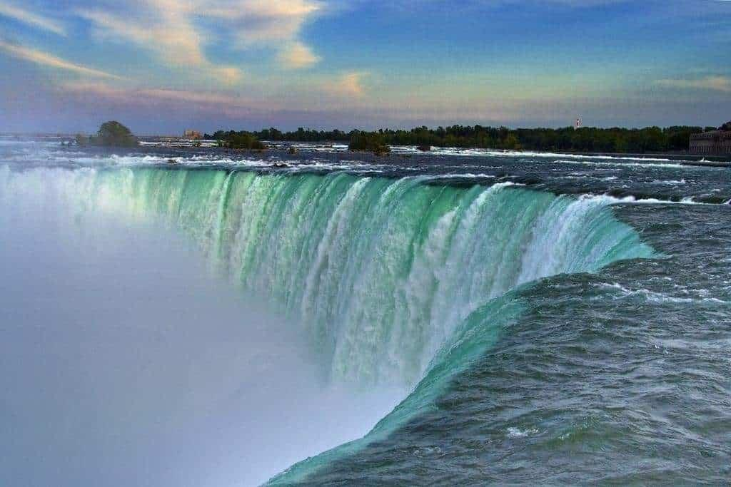 Ниагара - известнейшая достопримечательность Канады, но далеко не единственная