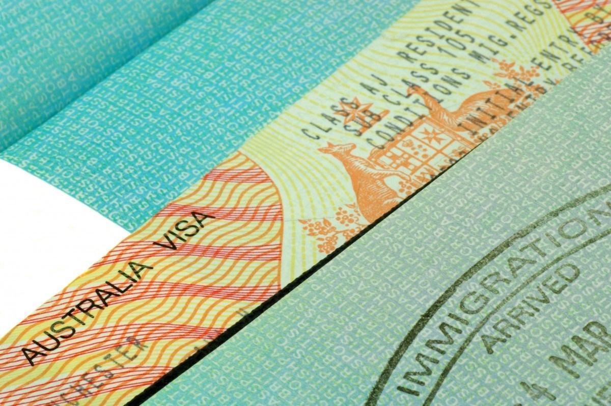 Туристическая виза в Австралию необходима всем, кто планирует посетить Зеленый Континент с туристическими, гостевыми визитами или пройти кратковременные (не более 3 месяцев) курсы обучения.